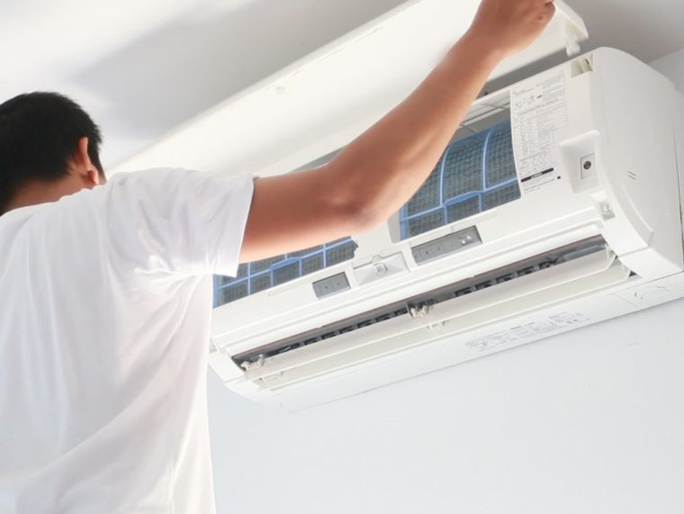 Air-Conditioner-Repair-Service-1-760×571